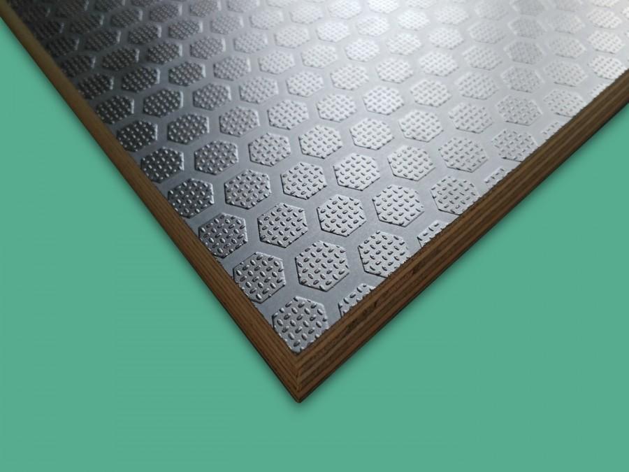 Csúszásmentes nyír rétegelt lemez, HEXA (21 mm)